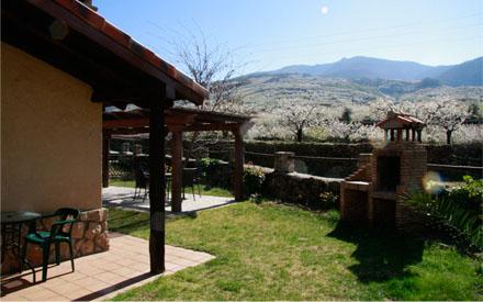Valle del jerte tambi n en verano c ceres turismo - Casas rurales en el jerte con piscina ...